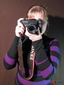как держать фотоаппарат